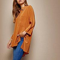 Chemise RI Studio en soie orange avec coupe longue