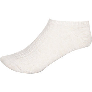 Cream cable knit sneaker socks
