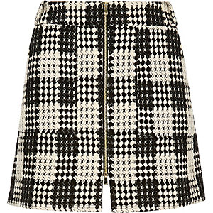 RI Plus black and white checked woven skirt