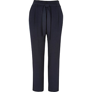 Navy soft tie tapered pants