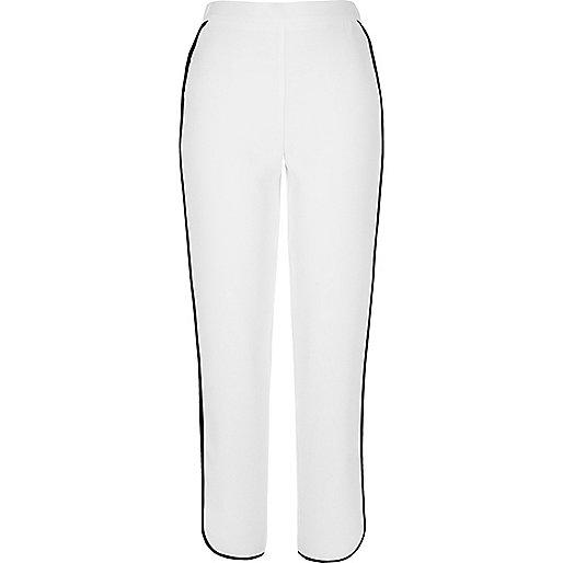 Pantalon de jogging blanc à rayures contrastantes