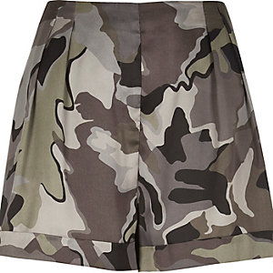 Grey camouflage print shorts