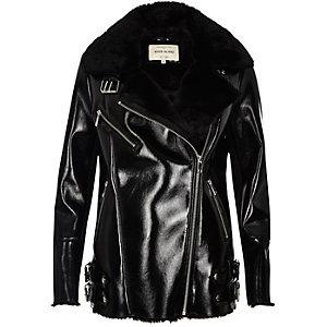 Manteau aviateur en cuir synthétique noir verni