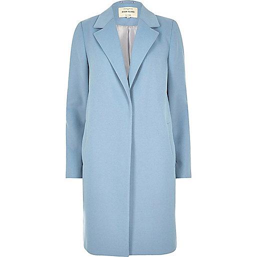 Hellblauer, klassischer Mantel