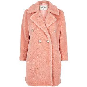 Manteau croisé rose à imitation peau de mouton