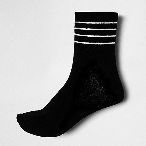 Black mesh stripe ankle socks