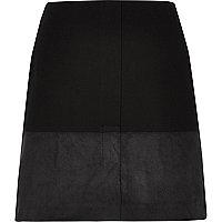 Mini-jupe noire à empiècement colour block
