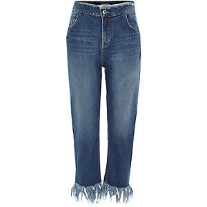 Blaue Boyfriend-Jeans mit Fransen