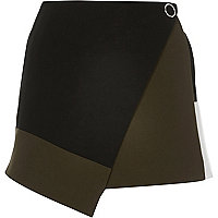 Black color block wrap skort