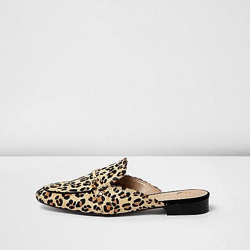 Mocassins imprimé léopard marron ouverts à l'arrière
