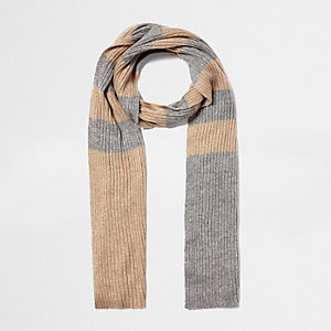Gold stripe knit scarf
