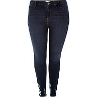 Plus – Amelie –  Superskinny Jeans in dunkler Waschung