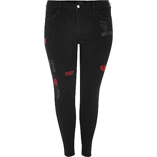 Plus – Amelie – Schwarze Super Skinny Jeans mit Aufnähern