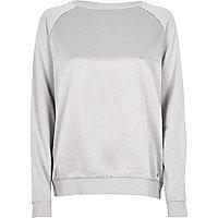 Silbernes Sweatshirt mit Vorderseite aus Satin