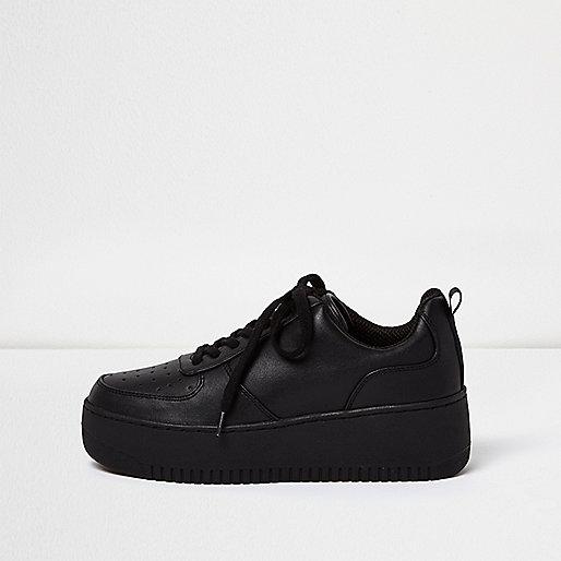 Plateau-Sneaker aus schwarzer Spitze
