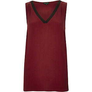 Dark red V-neck tank