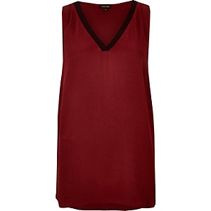 Dark red sporty V-neck tank