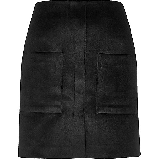 Black velvet pocket mini skirt