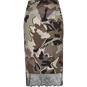 Jupe camouflage grise bordée de dentelle