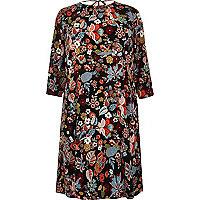 RI Plus –  Rot geblümtes knielanges Kleid