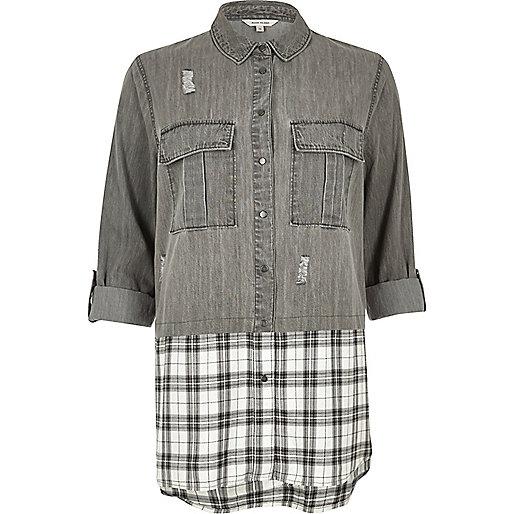 Chemise en jean grise à carreaux avec superposition