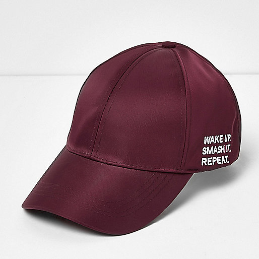 Casquette bordeaux avec inscription Smash it