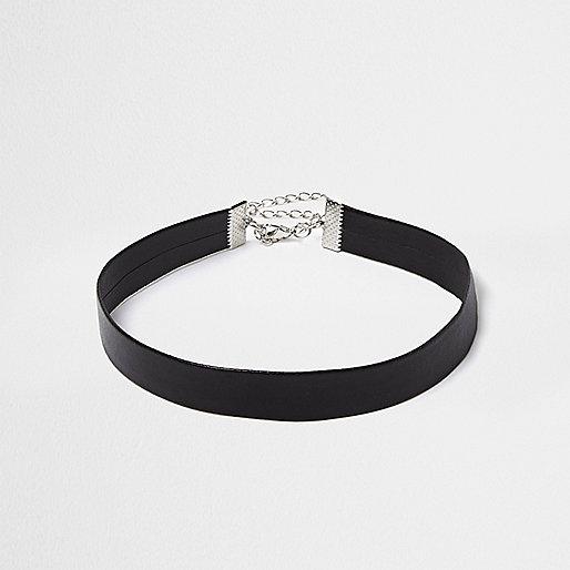 Schwarzes Halsband im Leder-Look