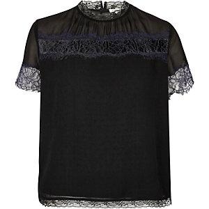 T-shirt noir avec bordures en dentelle