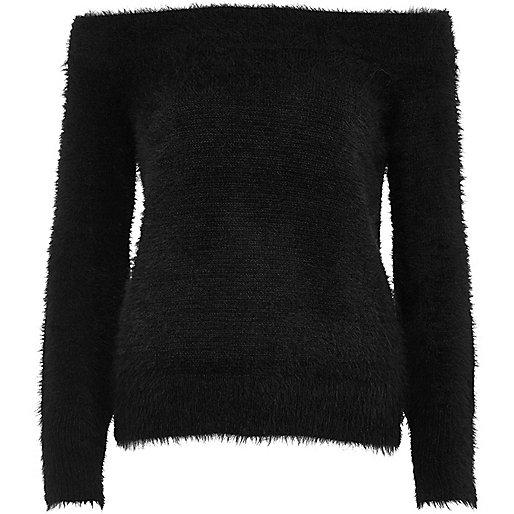 Schwarzer, schulterfreier Pullover