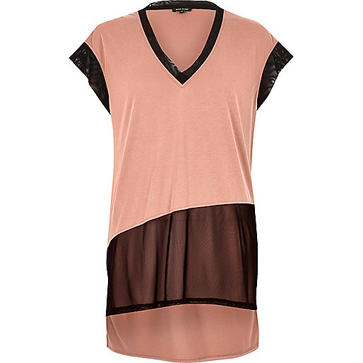 T-shirt rose à empiècement en tulle transparent