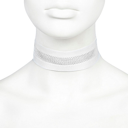 White wide mesh choker