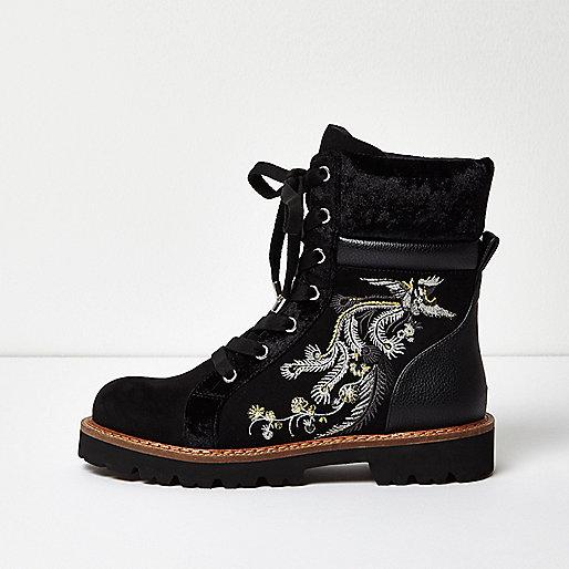 Schwarze Utility-Stiefel mit Stickerei