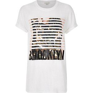"White ""Brooklyn"" print boyfriend t-shirt"