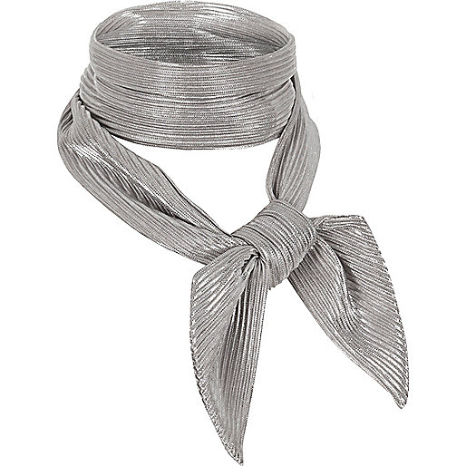 Silver pleated necktie scarf
