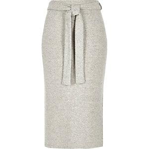 Jupe mi-longue gris clair chiné avec ceinture