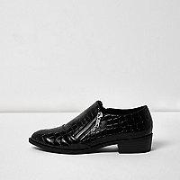 Black scale patent zip shoes