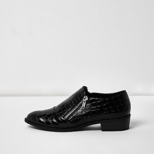 Black scale patent zip monk shoes