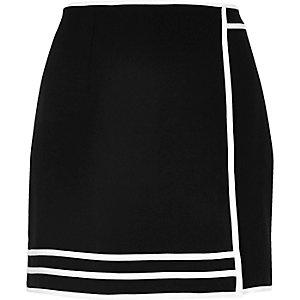 Black sporty mini skirt