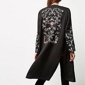 Veste longue noire brodée à fleurs