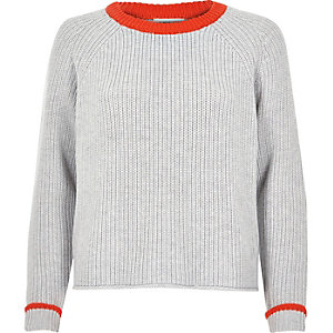Pull en maille gris et orange court