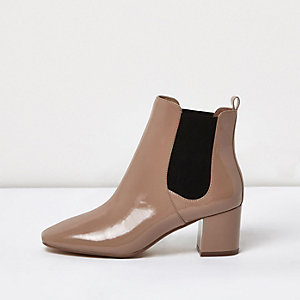 Nude patent block heel Chelsea boots