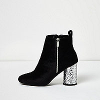 Bottines noires en velours pailletées