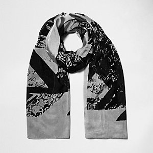 Black spliced print light scarf
