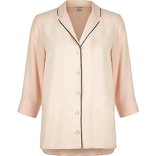 Chemise de nuit rose pâle