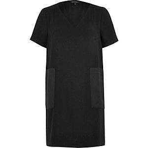 Black panel pocket T-shirt dress