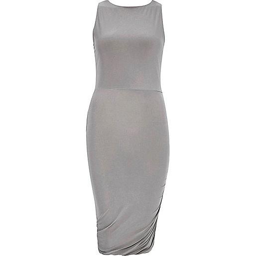 Graues, gerüschtes Kleid