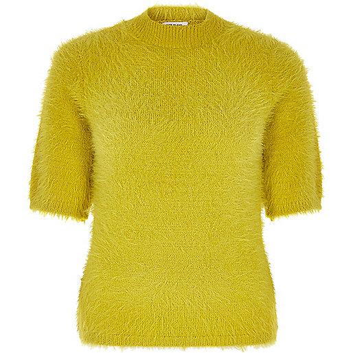T-shirt duveteux vert citron à col roulé