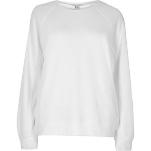 White long sleeve sweatshirt