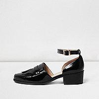 Black patent fringe heeled shoes
