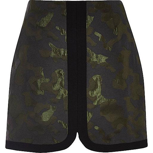 Mini-jupe en jacquard camouflage vert foncé